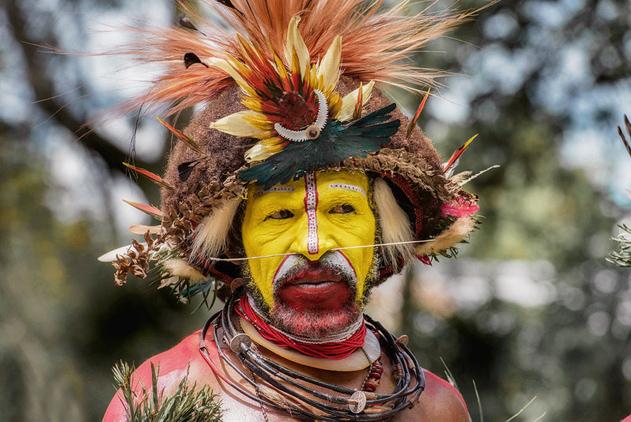 摄影师实拍巴布亚新几内亚土著部落 展别样魅力