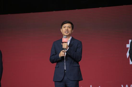 """北大120周年校庆 刚捐了6.6亿的李彦宏现场被""""逼捐""""?"""