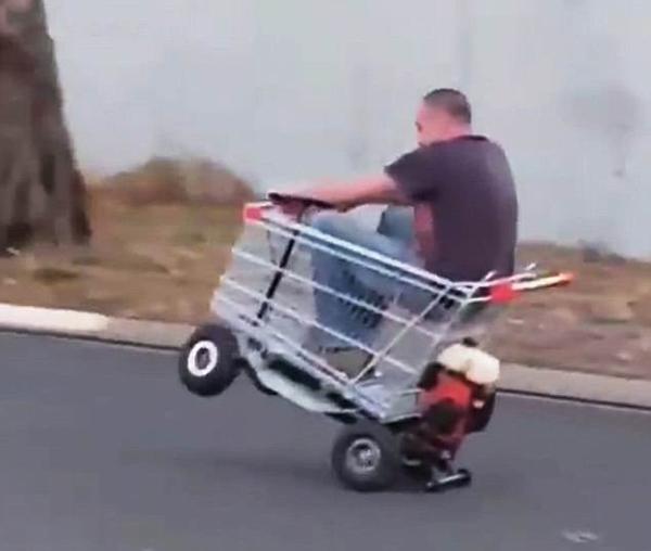 澳男子为购物给推车装发动机方向盘一展车技