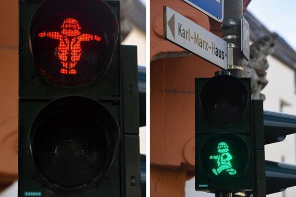 """纪念马克思诞辰200周年 德国街头现""""马克思"""" 红绿灯"""
