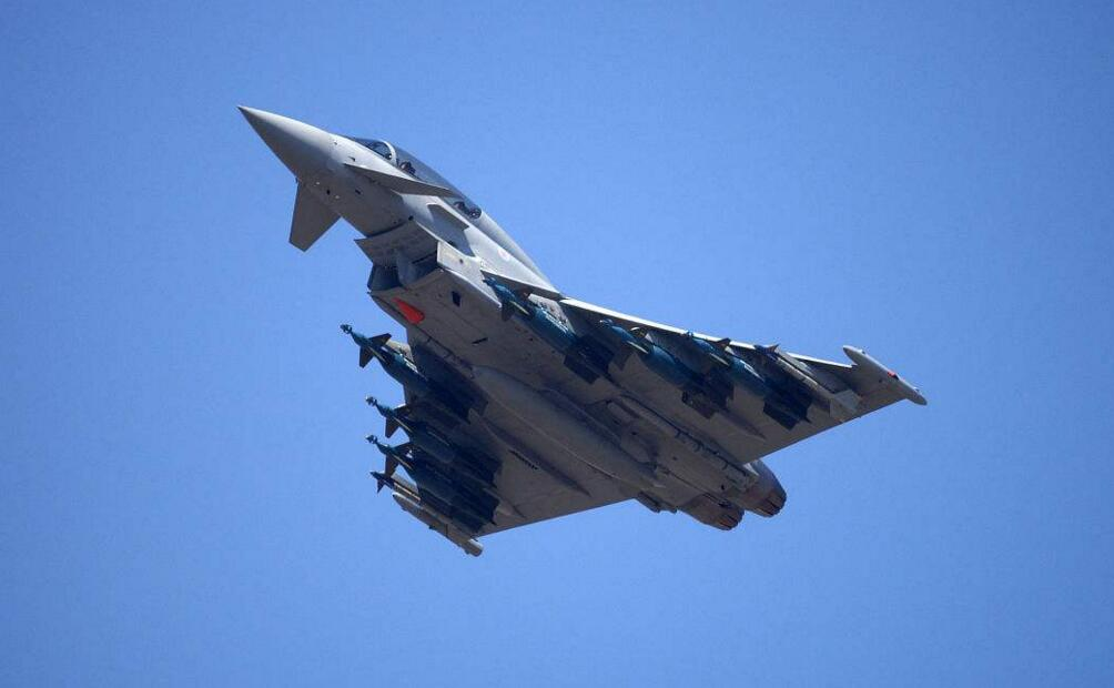 气氛紧张!俄侦察机飞越黑海 英军战机紧急升空