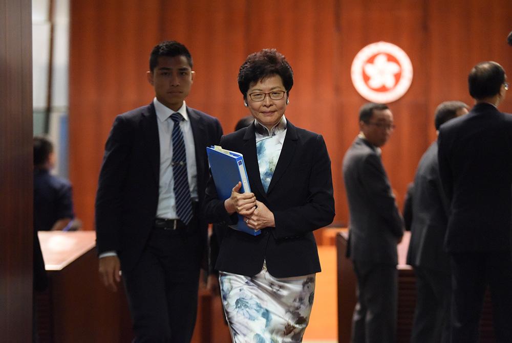 香港反对派称普通话不是母语 特首回呛:有人借故无风起浪