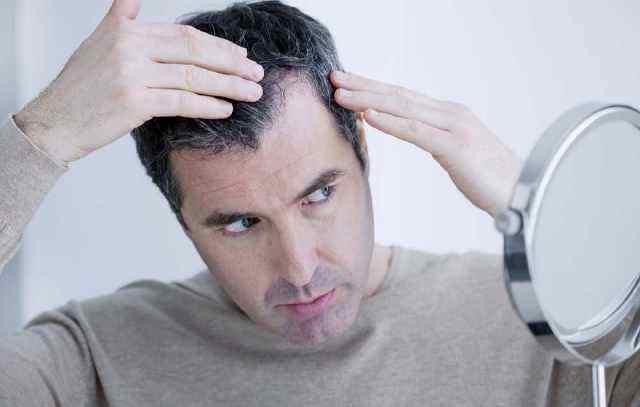 """研究:""""白发早生""""可能与免疫反应有关"""