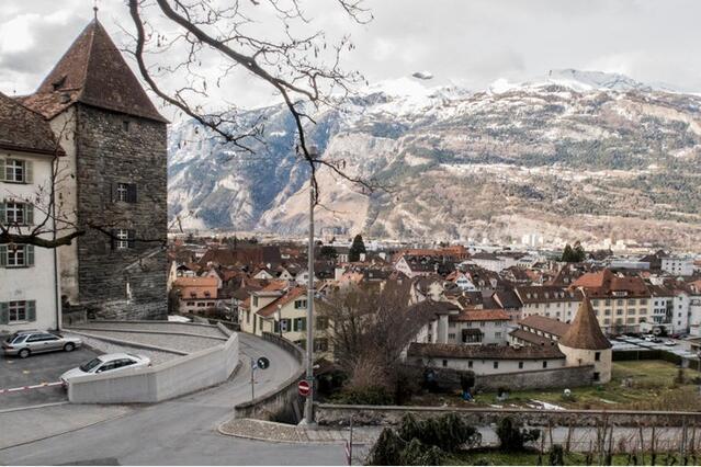 """瑞士东部库尔镇:世界上""""最古老""""小镇之一"""