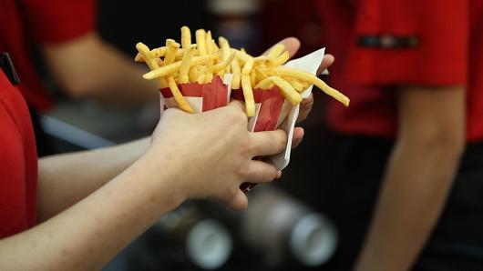 吃快餐影响女性受孕 不孕几率大大增加