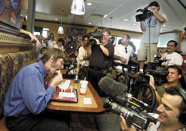 情有独钟!美男子40年共吃3万个巨无霸汉堡