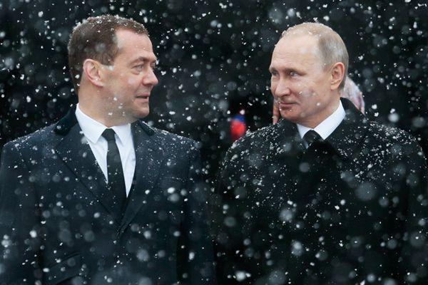 普京提名梅德韦杰夫为俄新任总理 回顾雨雪并肩梅普CP
