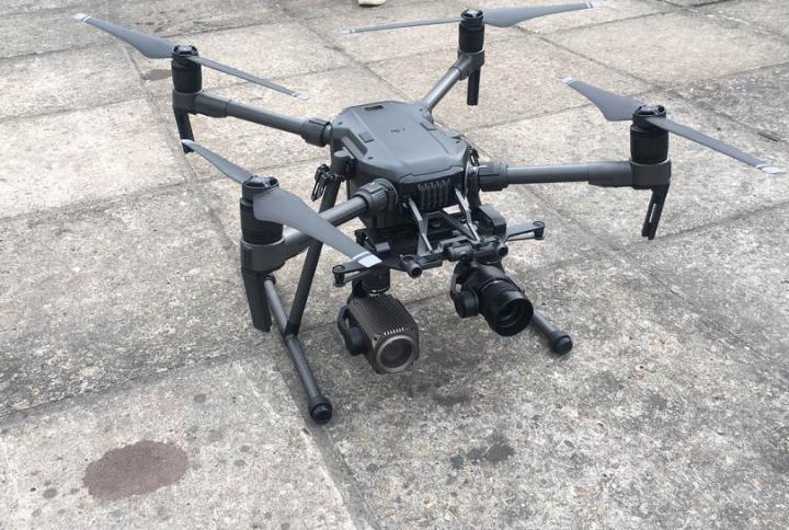 公路抢险添利器 工业级无人机助力雨天航拍