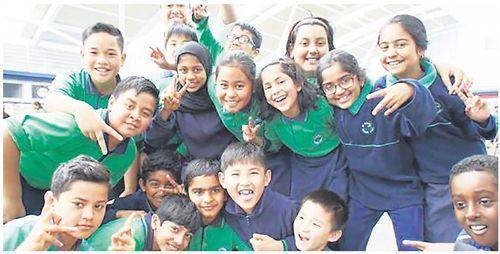 移民儿童不怕学不好英语?奥克兰很多学校不过关