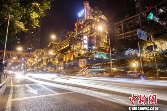 网红经济定义重庆新IP 洪崖洞成仅次于故宫热门景点