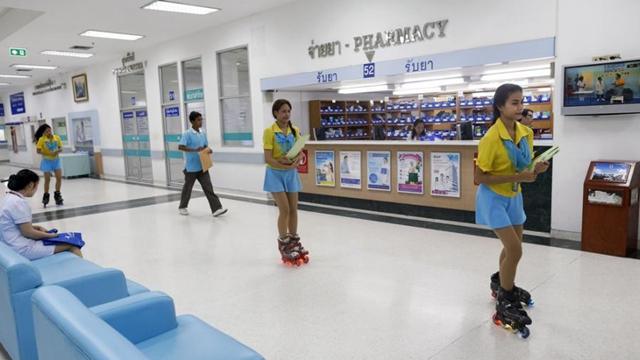 泰国医院招聘助理护士穿轮滑鞋任务