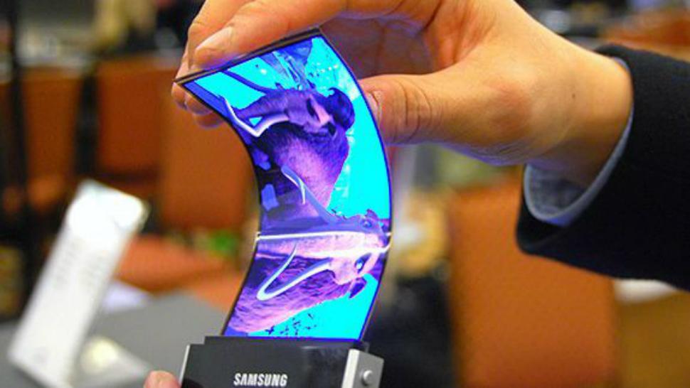 消息称三星计划在MWC 2019上发布可折叠手机