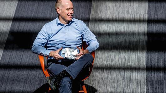 微软推出Brainwave 提供更快芯片吸引AI开发者