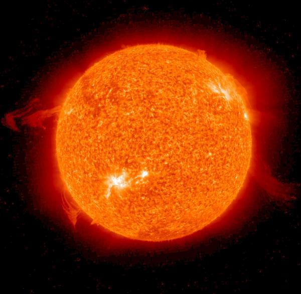 """太阳消亡后会什么样?星系变成巨大发光""""泡沫"""""""