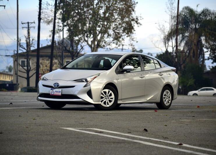 大力推广纯电动汽车 英国拟2040年禁售燃油汽车