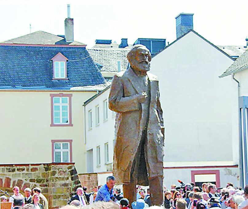 中国赠送马克思雕像 在其故乡特里尔揭幕