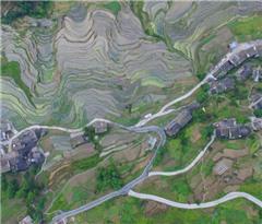 航拍贵州桐梓尧龙山梯田:大山里的美丽画卷