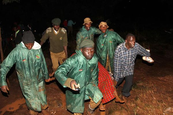 肯尼亚一座大坝决堤 造成至少32人死亡
