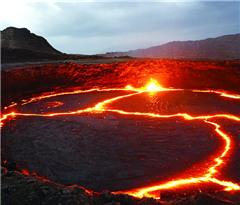 埃塞火山口夜赏熔岩湖