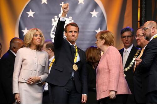马克龙领查理曼奖 吁德总理默克尔接受欧盟改革计划