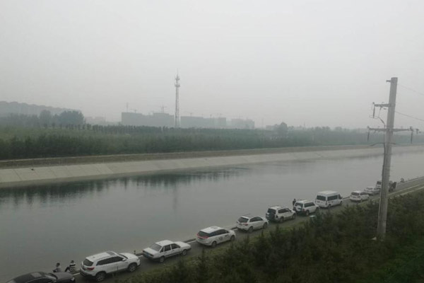 郑州水上救援队打捞空姐遇害案嫌犯 现场封锁
