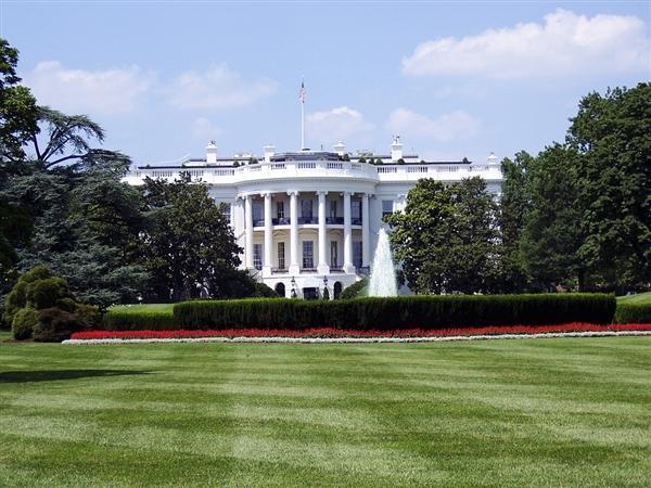美国白宫成立AI委员会:技术领先 提防中国企业