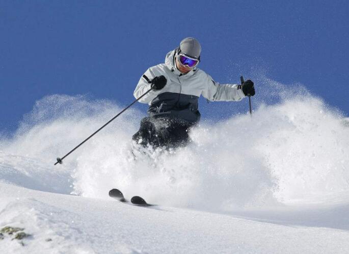 滑雪出行小贴士:减少皮肤暴露 备好防冻油膏