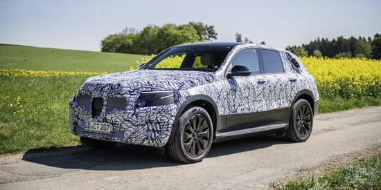 奔驰对外公布纯电动SUV车型EQC开发细节!