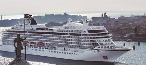 245天游59国 全球最长航程海上套餐9.2万美元(图)