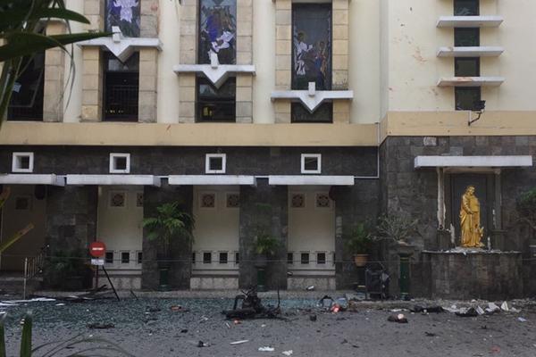 印尼泗水三所教堂遭炸弹袭击 致十余人伤亡