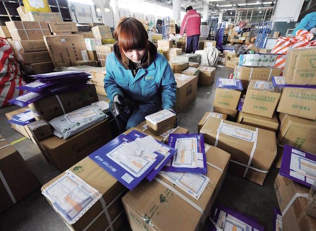 国家邮政局:前4月全国快递业务量完成136.7亿件