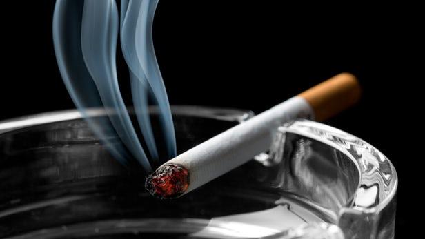 """研究:""""无烟区""""三手烟传播比想象中还糟糕"""