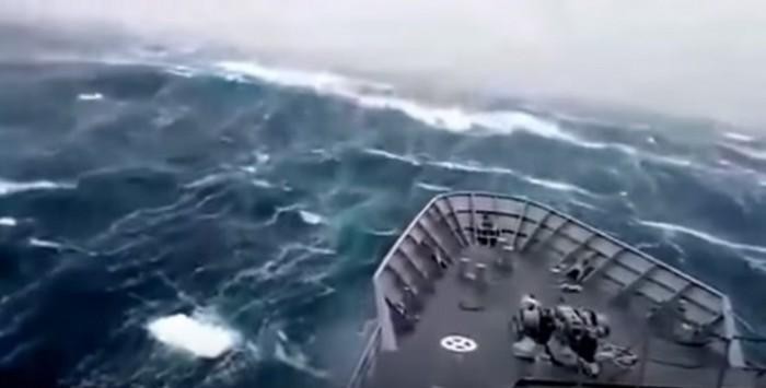 新西兰海岸外发现24米巨浪 打破南半球最高记录
