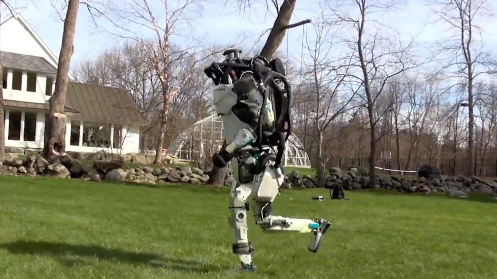 波士顿动力机器人再升级:能跑能跳 可自主导航