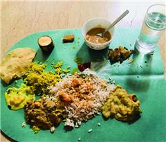 在印度尬吃新年手抓饭