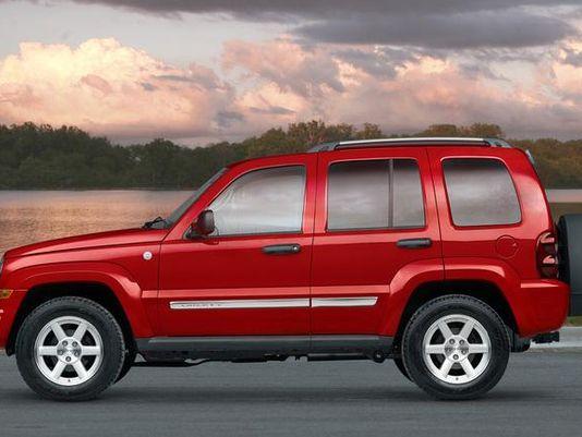 悬架系统故障 FCA在美召回32.5万辆Jeep自由人