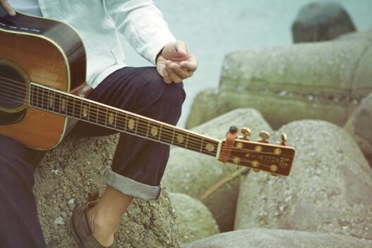 为什么高晓松说罗大佑总是音不准,却仍是华语流行音乐第一人?