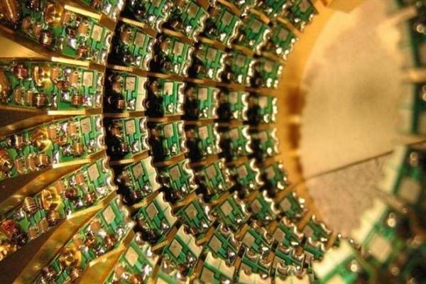 中国研发出世界最大光量子芯片:秒杀传统PC
