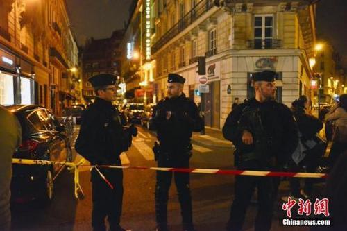 媒体:一中国公民在巴黎持刀袭击中受伤 无生命危险