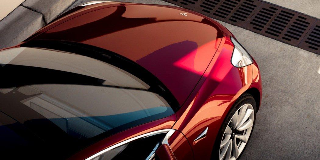 特斯拉宣布7月投产Model 3双电机四驱版和高性能版