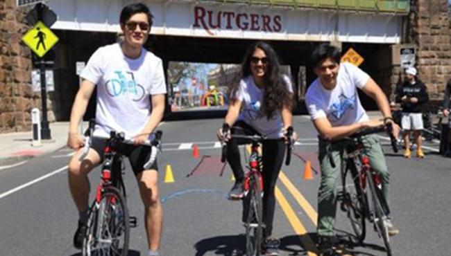 中国留学生为慈善组织筹款 即将在美国骑行2000英里