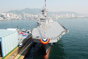 韩国最新一艘准航母下水 未来或搭载F-35B五代机