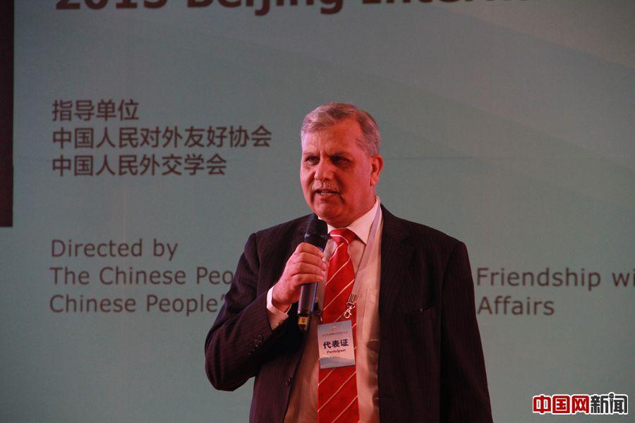 """泽米尔·阿万谈""""巴中经济走廊"""":欢迎中国企业到巴基斯坦发展"""