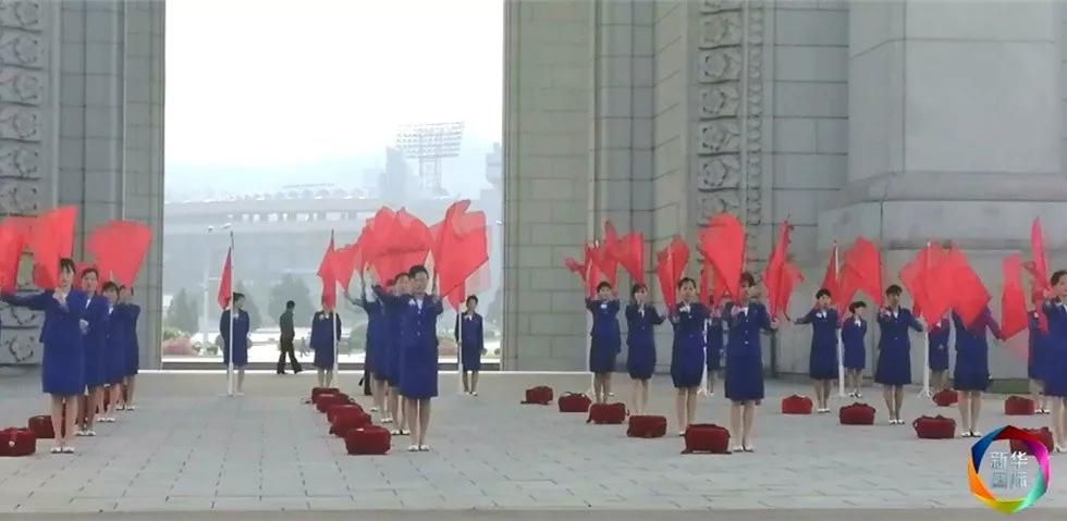 独家街拍 | 朝鲜特色红旗腰鼓早操为建设发展呐喊加油!