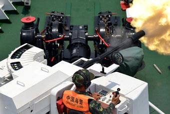 广东海警在南海实弹射击训练 舰炮威武开火