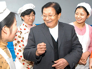 """激荡四十年·""""天下第一村""""吴仁宝"""