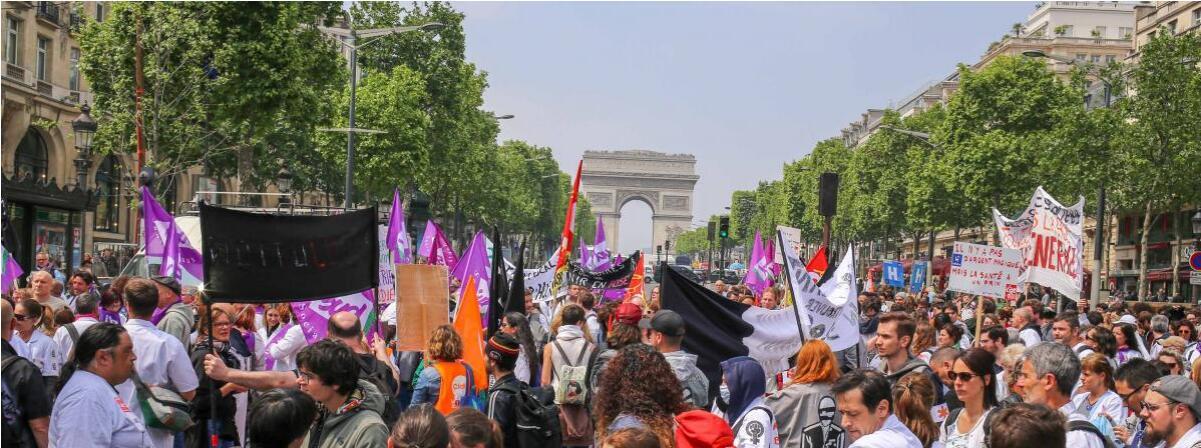法国近600人抗议医院工作条件差 巴黎香街一度被封锁