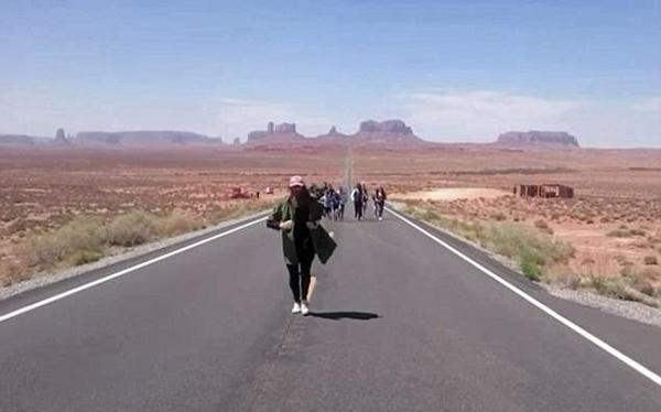 """现代版""""阿甘""""!男子跑步横穿美国后成功向女友求婚"""