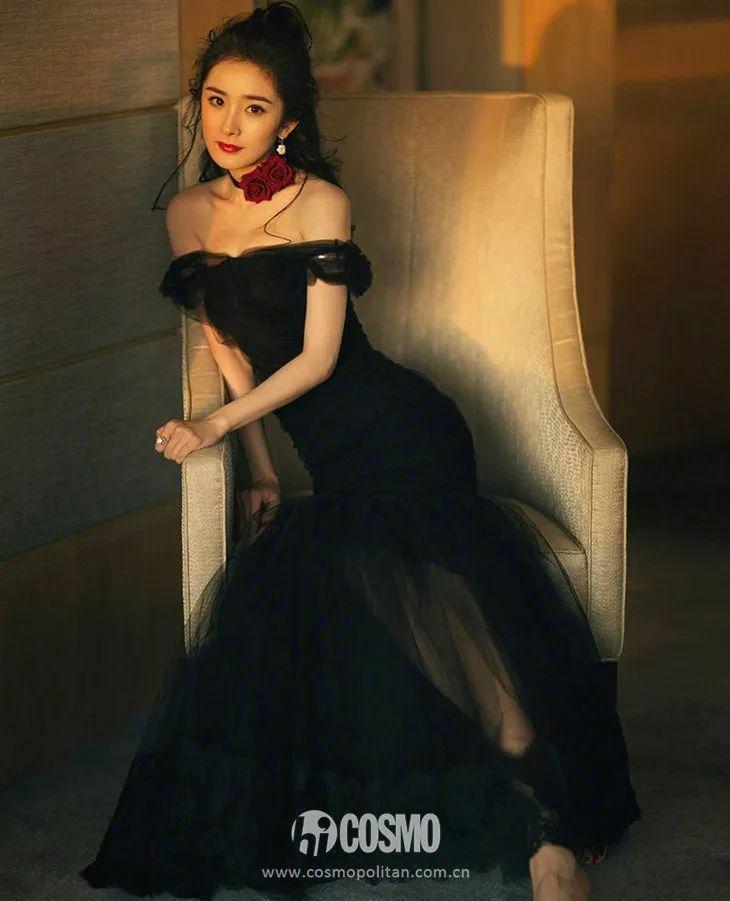 范爷携《355》戛纳亮相证明一件事,经典仍是小黑裙