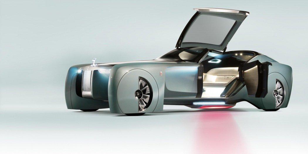 劳斯莱斯预计2040年前迈向电动化 不舍V12情怀